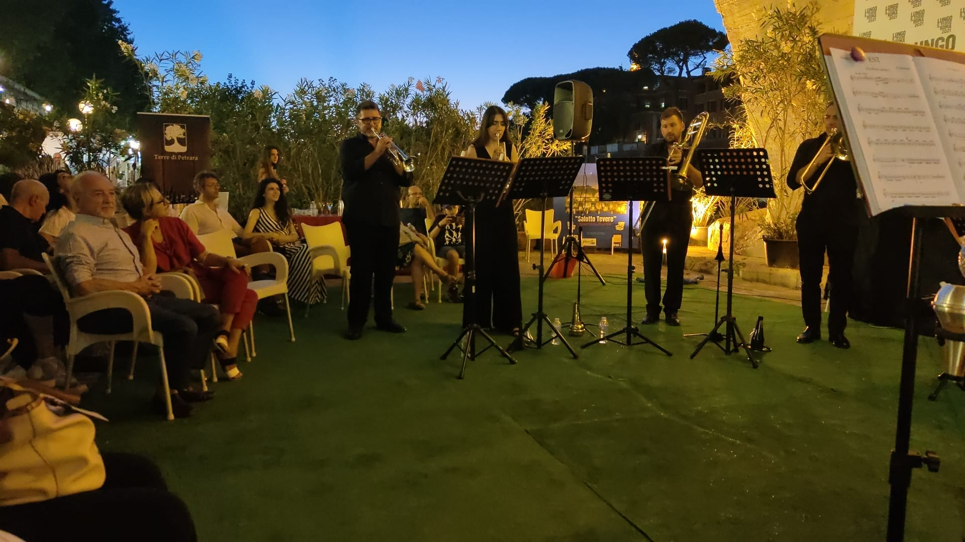 Gerardo e Lucia hanno coronato il loro sogno d'amore. Grande festa a Cesinali